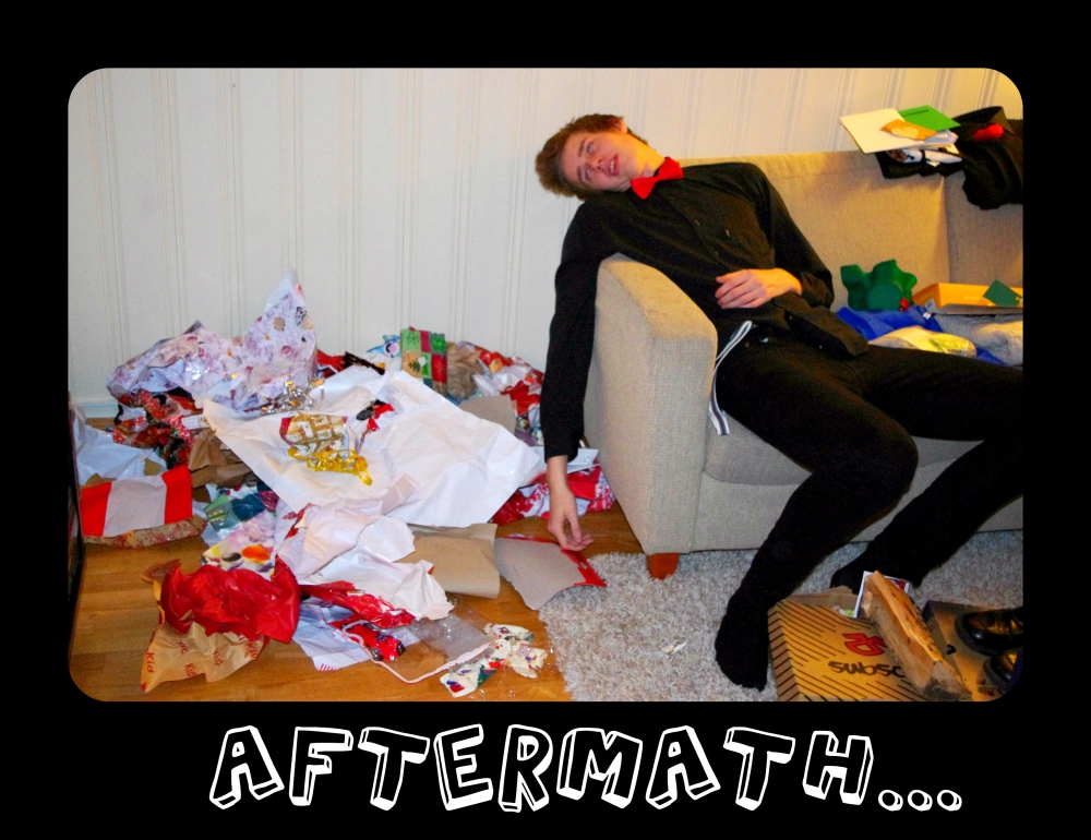 Christmas 2012+Norwegian Christmas+Norway+Christmas eve+ juleaften+juletre +partyhats - aftermath