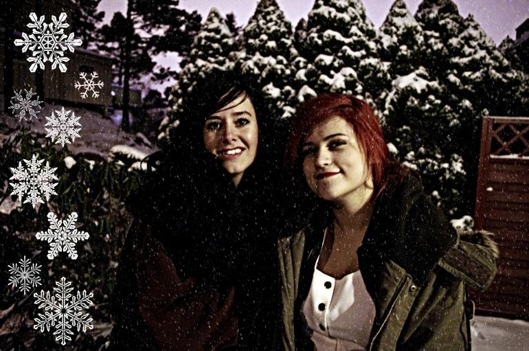 Christmas 2012+Norwegian Christmas+Norway+Christmas eve+ juleaften+juletre +partyhats - snow - white christmas