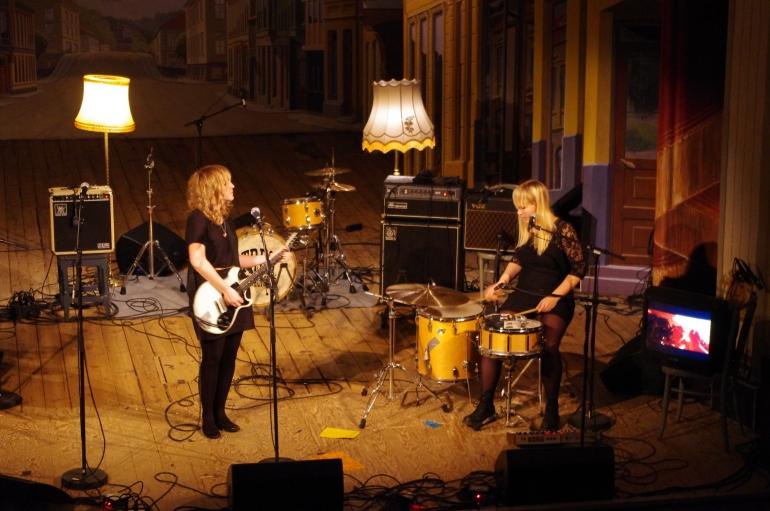 unge folk i Halden 2012 + Fredrikshald Teater + Lucky Malice