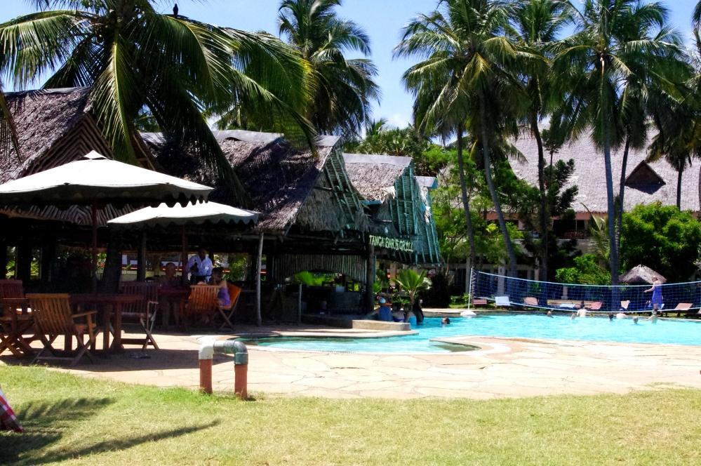 Reef hotel Kenya Mombasa i-to-i volunteering Africa