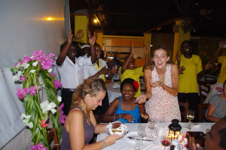 volunteering i-to-i Mombasa Kenya birthday celebration