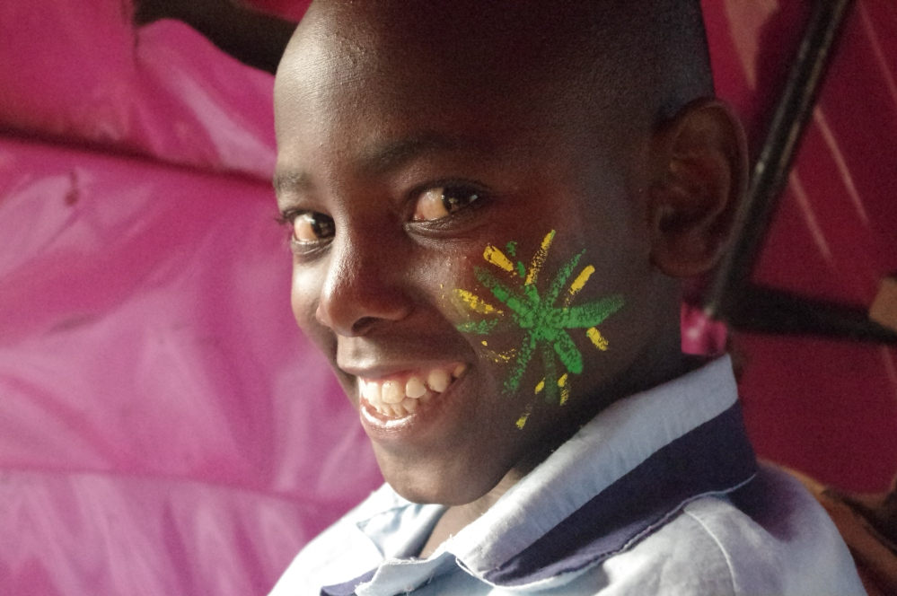 Volunteering i-to-i Kenya mOmbasa Africa Butterfly pavilion Orphanage Kensalt function facepaint