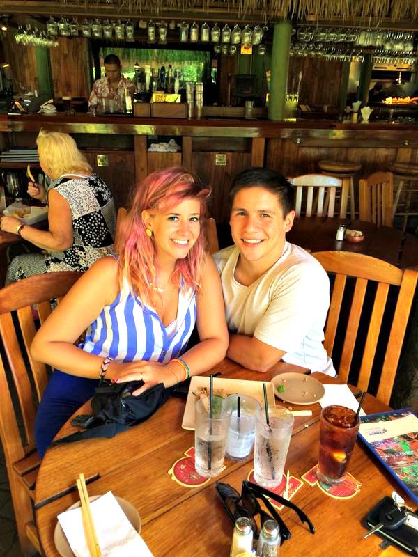 Keoki's paradise - Kauai - Hawaii - Restaurant - Hawaiian food - Romantic - Sexy couple