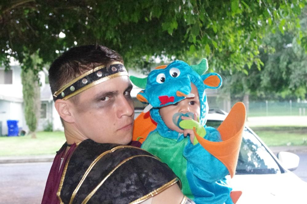 Halloween in Hawaii 2014 - baby dragon costume - Pumpkins - Costumes - 300 - Spartan costume - Jack O' Lanterns