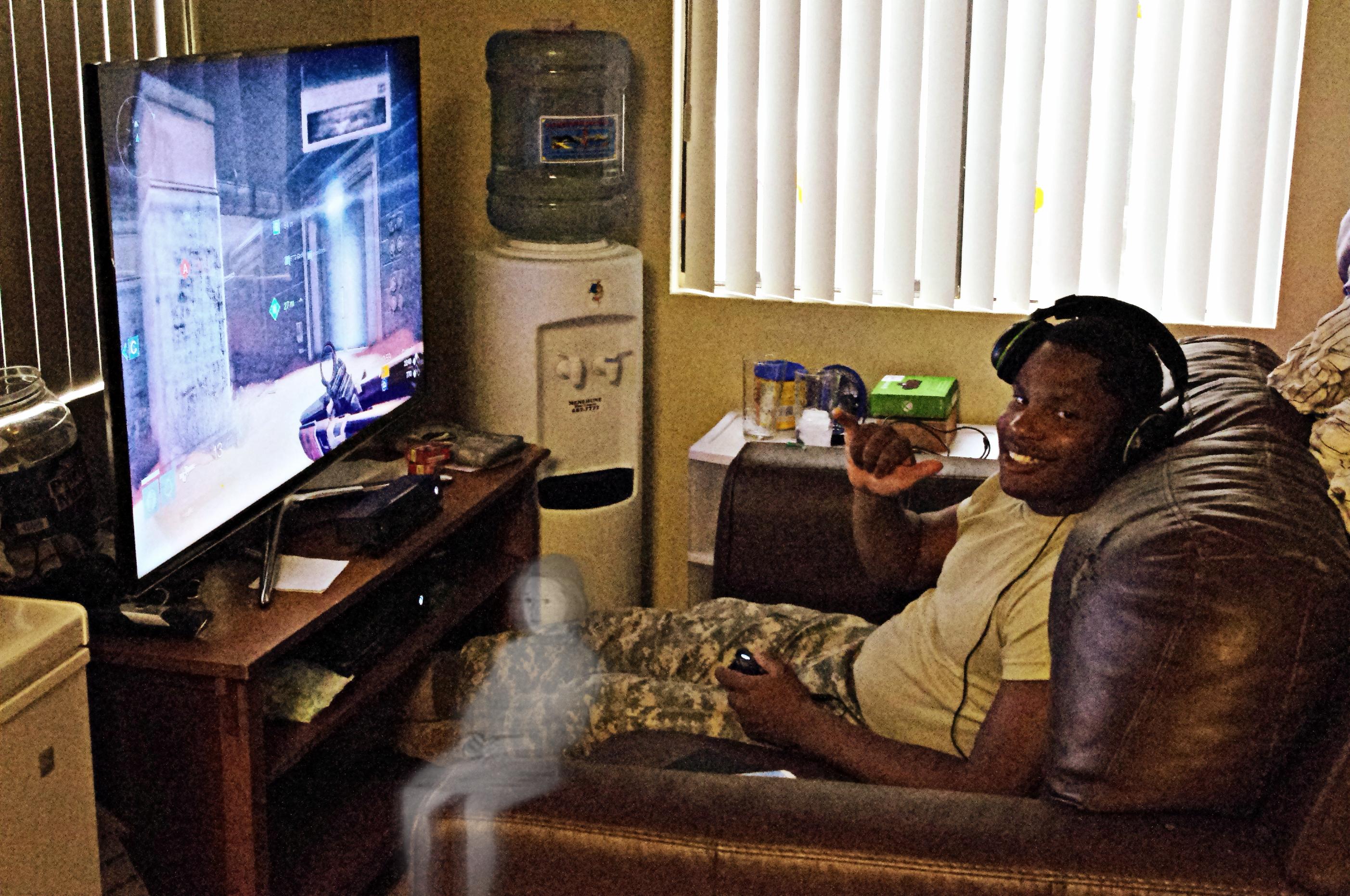Small Man Cave Xbox One : Happy halloween hawaii jasmin please