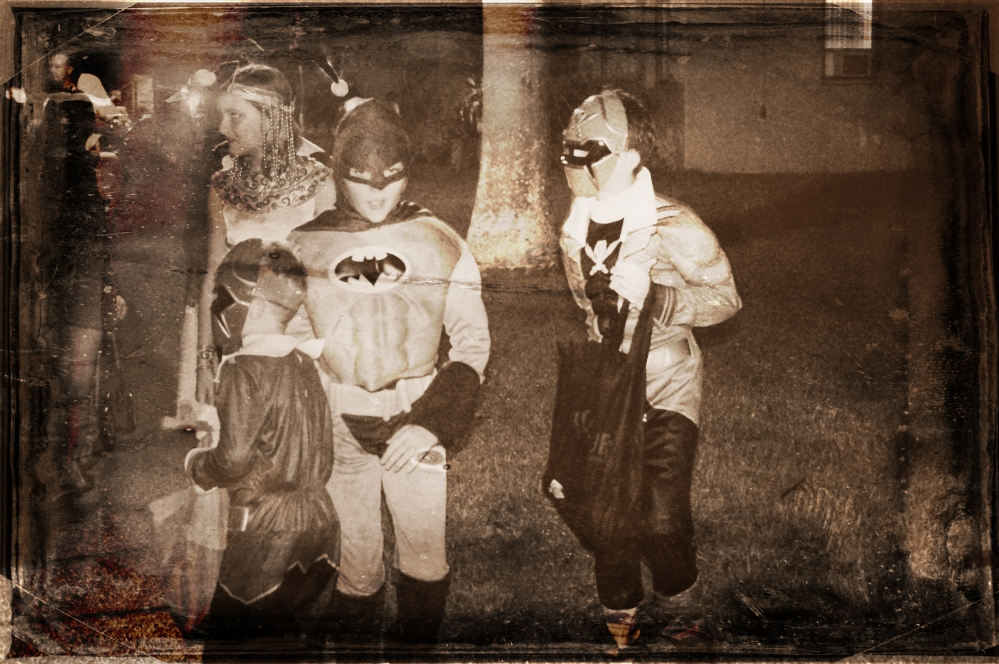 Halloween in Hawaii 2014 - Pumpkins - Costumes - 300 - Spartan costume - Jack O' Lanterns - Trick or treat - batman