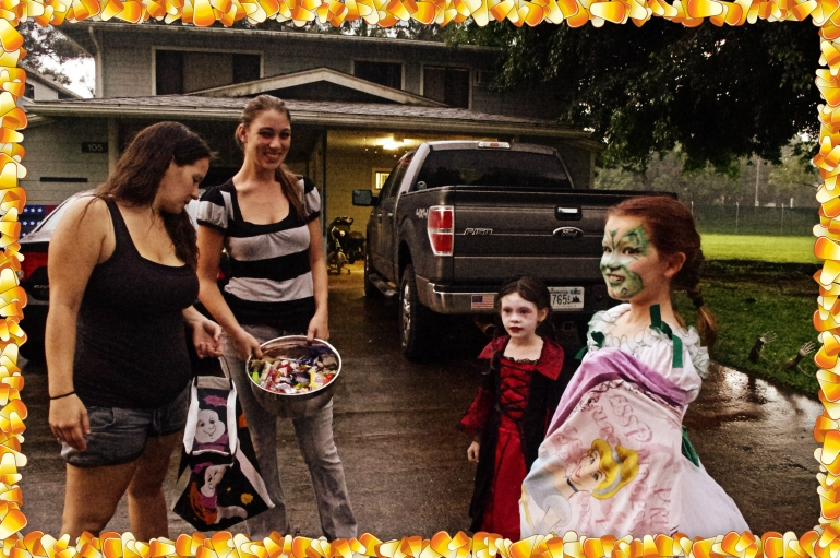 Halloween in Hawaii 2014 - Pumpkins - Costumes - 300 - Spartan costume - Jack O' Lanterns - Trick or treat - Candy corn