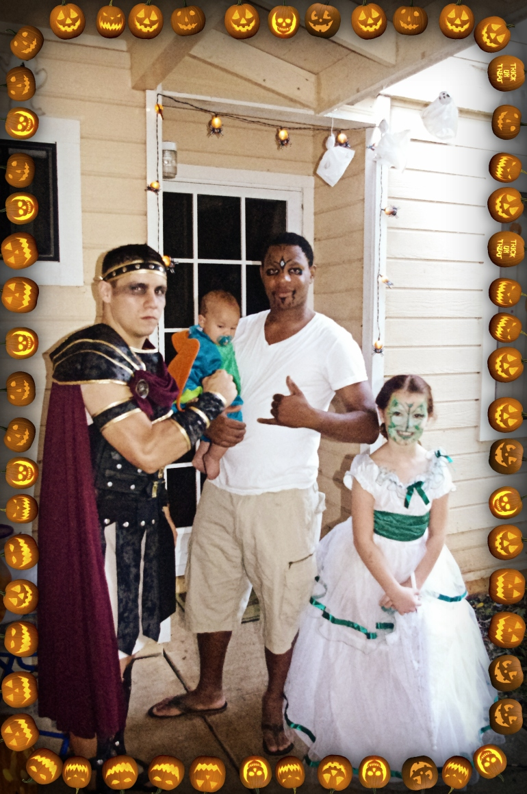 Halloween in Hawaii 2014 - Pumpkins - Costumes - 300 - Spartan costume - Jack O' Lanterns