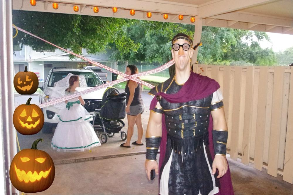 Halloween in Hawaii 2014 - Pumpkins - Costumes - 300 - Spartan costume
