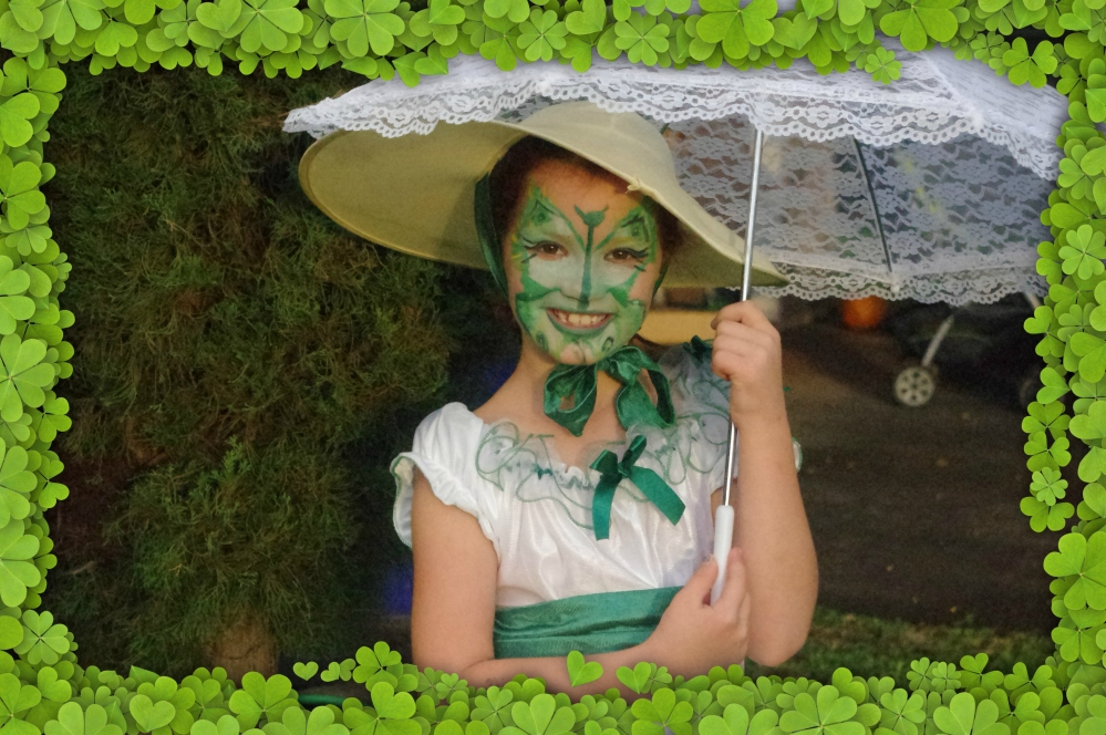Halloween in Hawaii - 2014 - Southern Belle costume - face paint - butterfly - Green