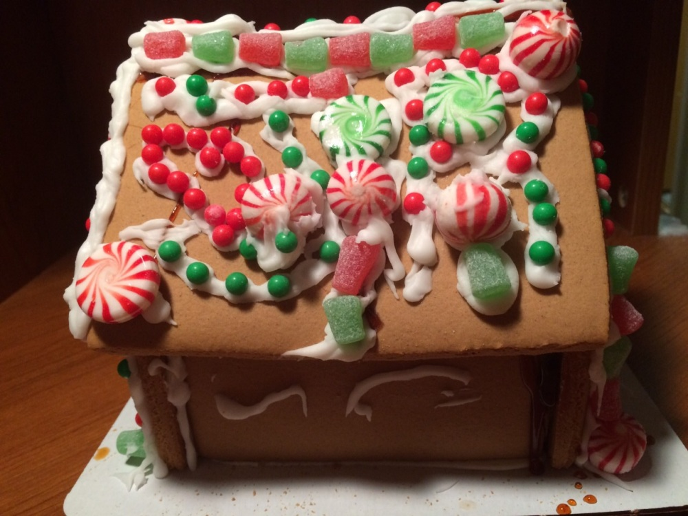 Gingerbread house Decorating Christmas Hawaii 2014