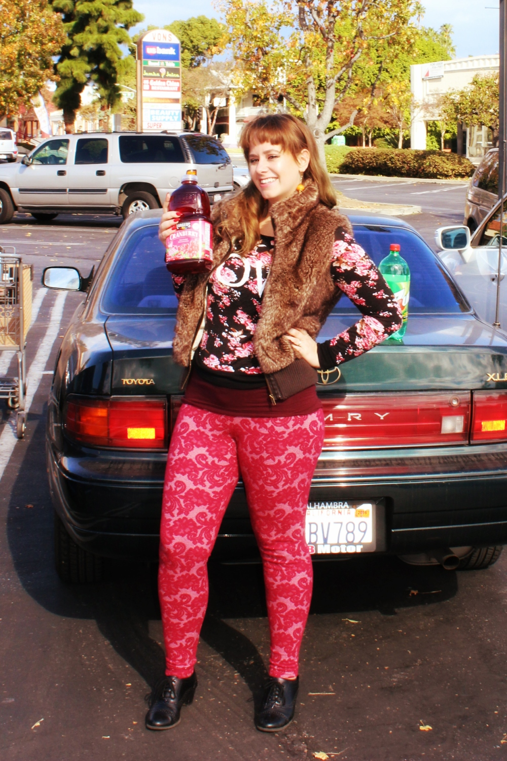 Thanksgiving outfit- fashion  - Cranberry - 7up - Fall - Los Angeles