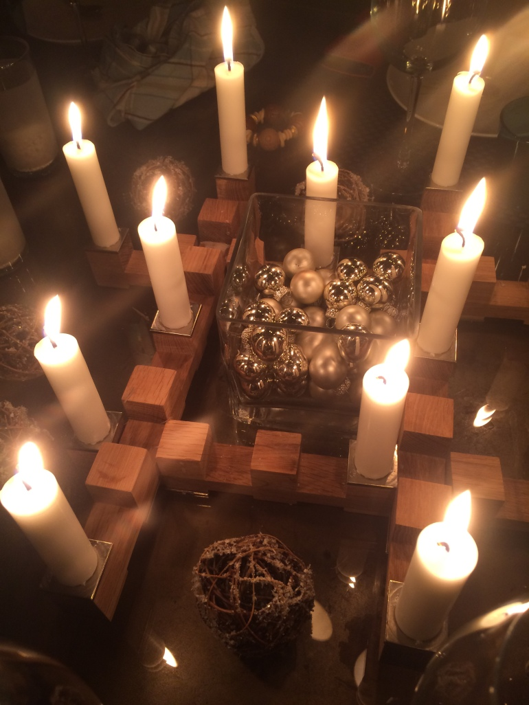 Inspiring homes - Set table - centrepiece - candles